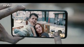 LG V40 ThinQ TV Spot, 'Zombie Selfie' Song by Hot Chocolate - Thumbnail 8