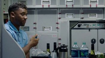 Alaska Airlines TV Spot, 'Drink Cart Quarterback' Featuring Russell Wilson - Thumbnail 5
