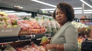 ALDI Garden Salad Mix TV Spot, 'Tricks' - Thumbnail 2