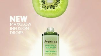 Aveeno MaxGlow Infusion Drops TV Spot, 'Glow to the Max' - Thumbnail 5