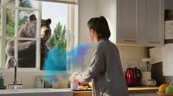 Robitussin Honey TV Spot, 'Window Bear' - Thumbnail 2