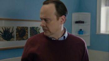 Febreze TV Spot, '#Odorodes: Bathroom' - Thumbnail 6