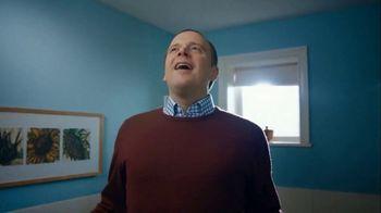 Febreze TV Spot, '#Odorodes: Bathroom' - Thumbnail 9