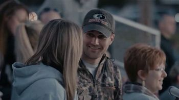 Mossy Oak Break-Up Country TV Spot, 'Stand Up for What You Believe' - Thumbnail 6