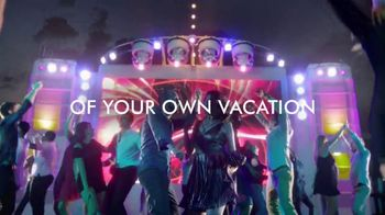 Norwegian Cruise Lines TV Spot, 'March to the Beat: Five Offers' Song by Pitbull - Thumbnail 8