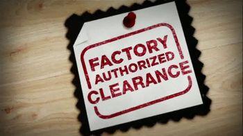 La-Z-Boy Factory Authorized Clearance TV Spot, 'Floor Samples & Closeouts' - Thumbnail 6
