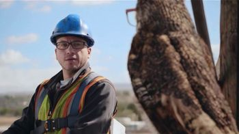 America's Best Contacts and Eyeglasses TV Spot, 'Lineman' - Thumbnail 2