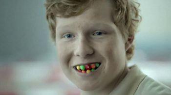Skittles TV Spot, 'Sonrisa' [Spanish]