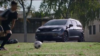 Chrysler Summer Clearance Event TV Spot, 'Soccer Practice' Featuring Kathryn Hahn [T2] - Thumbnail 1