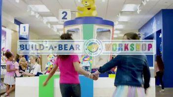 Build-A-Bear Workshop TV Spot, 'Build a Party' - Thumbnail 2