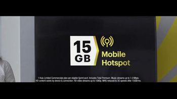 Sprint Unlimited Plus Plan TV Spot, 'Rooftop' - Thumbnail 4