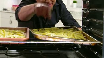 Copper Chef Diamond Bakeware TV Spot, 'Slides Right Off' Ft. Eric Theiss - Thumbnail 6