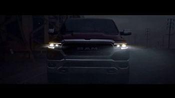 Ram Trucks Evento de Liquidación de Verano TV Spot, 'Herramienta' [Spanish] [T2] - Thumbnail 4