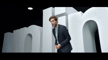 Verizon Unlimited Plans TV Spot, 'Huge News: BOGO' Feat. Thomas Middleditch - Thumbnail 3