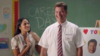 Toyota TV Spot, 'Pat the Intern: Career Day' [T2] - Thumbnail 6