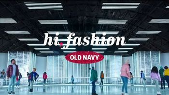 Old Navy TV Spot, 'Llega patinando a las fiestas' [Spanish] - Thumbnail 1