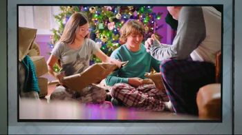 Boost Mobile TV Spot, 'A Switchmas Miracle' - Thumbnail 2