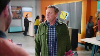 Boost Mobile TV Spot, 'A Switchmas Miracle' - Thumbnail 7