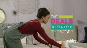 Ashley HomeStore Pre-Black Friday Sale TV Spot, 'This Weekend Only' - Thumbnail 3