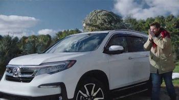 Happy Honda Days TV Spot, 'Christmas Tree' [T2] - Thumbnail 4