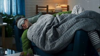 Gravity Blanket TV Spot, 'Cozy Holidays' - Thumbnail 7