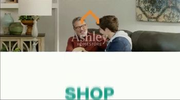 Ashley HomeStore Black Friday TV Spot, 'Sofa, Sectional, Bunk Beds' Song by Midnight Riot - Thumbnail 9