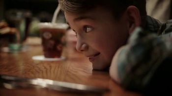 Olive Garden TV Spot, 'Equity' Song by Grace Elizabeth Lee - Thumbnail 5