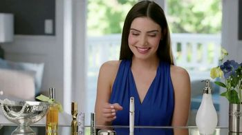Finishing Touch Flawless Brows TV Spot, 'Sweep Away Unwanted Hair' - Thumbnail 1