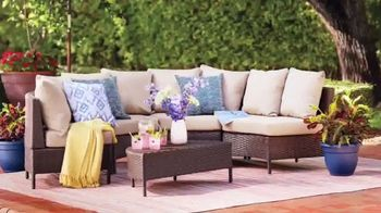Wayfair TV Spot, 'HGTV: Fun Outdoor Seating' - Thumbnail 3