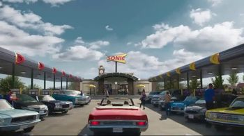 Sonic Drive-In Crispy Tender Dinner TV Spot, 'Flispy' Feat. Jane Krakowski - Thumbnail 1
