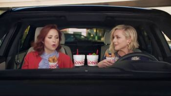 Sonic Drive-In Crispy Tender Dinner TV Spot, 'Flispy' Feat. Jane Krakowski - Thumbnail 2