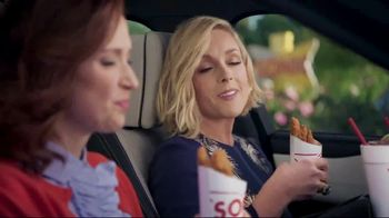Sonic Drive-In Crispy Tender Dinner TV Spot, 'Flispy' Feat. Jane Krakowski - Thumbnail 6