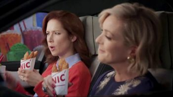 Sonic Drive-In Crispy Tender Dinner TV Spot, 'Flispy' Feat. Jane Krakowski - Thumbnail 7