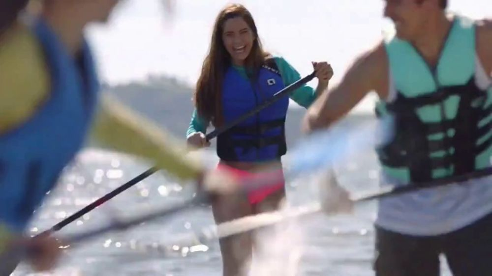 Truly Spiked & Sparkling TV Commercial, 'Paddle Board'