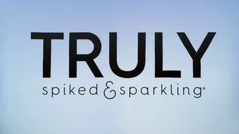 Truly Spiked & Sparkling TV Spot, 'Paddle Board' - Thumbnail 1