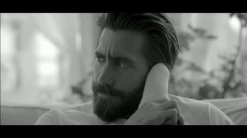 Calvin Klein Fragrances Eternity Air TV Spot, 'Darling' Ft. Jake Gyllenhaal - Thumbnail 5