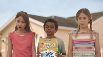 Honey-Comb TV Spot, 'Think Biggerer: Bee' - Thumbnail 9