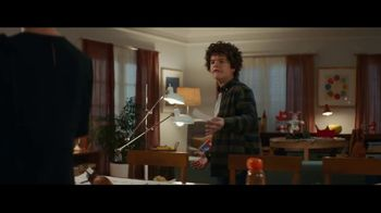 Fios by Verizon TV Spot, 'Working Conditions: Internet' Ft. Gaten Matarazzo - Thumbnail 5