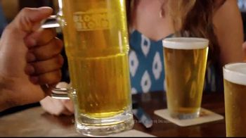 Outback Steakhouse Bloomin' Blonde Ale TV Spot, 'Pairs With Bold Flavors'