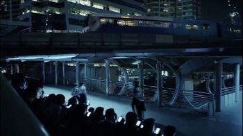 Bleu de Chanel TV Spot, 'Starman' Song by David Bowie - Thumbnail 5