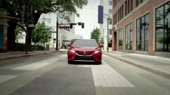 Toyota Red White & You Sales Event TV Spot, 'Camry & Corolla' [T2] - Thumbnail 3