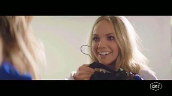 Aveeno Positively Radiant TV Spot, 'CMT: Refresh Station' Featuring Danielle Bradbery - Thumbnail 3