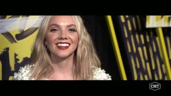 Aveeno Positively Radiant TV Spot, 'CMT: Refresh Station' Featuring Danielle Bradbery - Thumbnail 8