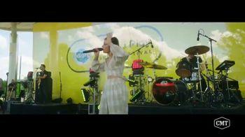 Pedigree TV Spot, 'CMT: Paws & Play Festival' Featuring Cassadee Pope - Thumbnail 3