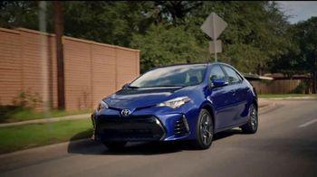 2018 Toyota Corolla TV Spot, 'Robot mayordomo' [Spanish] [T2] - Thumbnail 5
