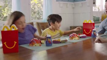 McDonald's Happy Meal TV Spot, 'Incredibles 2: familia ocupada' [Spanish] - Thumbnail 6