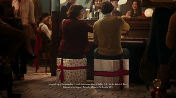 Stella Artois TV Spot, 'Best Present is Being Present' - Thumbnail 8