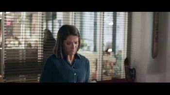 AutoTrader.com Accelerate TV Spot, 'Papier-Mâché' Featuring Andy Cohen, Daryn Carp - Thumbnail 4