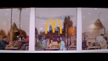 McDonald's Ultimate Chicken Sandwich TV Spot, 'Made When You Order' - Thumbnail 10