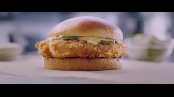 McDonald's Ultimate Chicken Sandwich TV Spot, 'Made When You Order' - Thumbnail 5